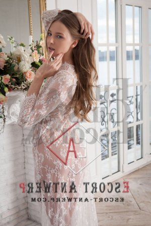Brianna escort and happy ending massage