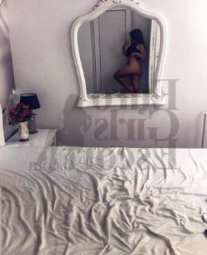 Layannah escort in Dublin and erotic massage